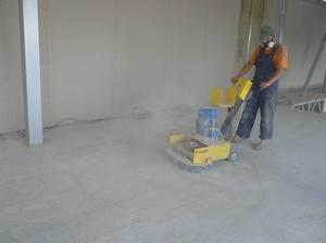 Смеси для выравнивания бетонного пола в гараже бетон столешница